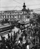 By 1905 Tokyo was already a busy, developing city with a large population and heavy traffic including street trams.